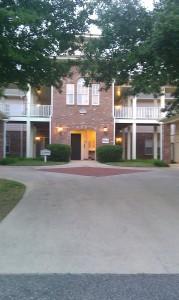 812 courtyard3